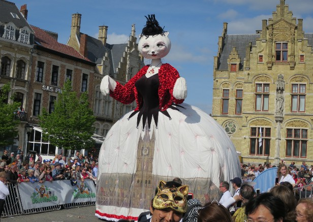 イーペルの猫祭り(ベルギー)旅行・ツアー・観光特集   ユーラシア旅行社